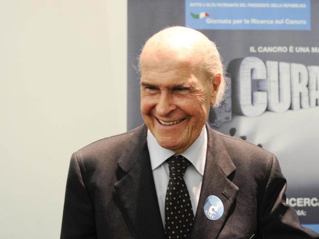 Morto Umberto Veronesi, una vita dedicata alla lotta ai tumori