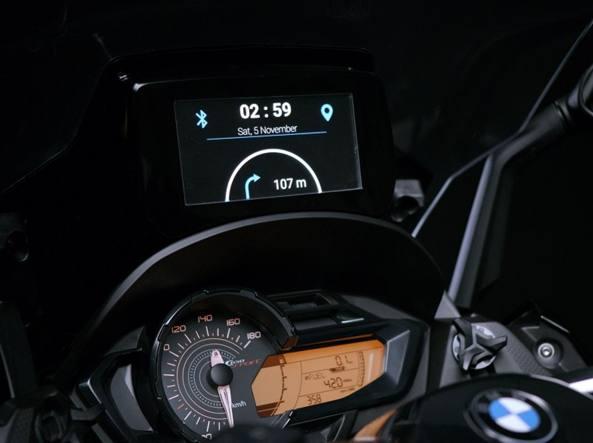Samsung Smart Windshield per Givi, wow che parabrezza!