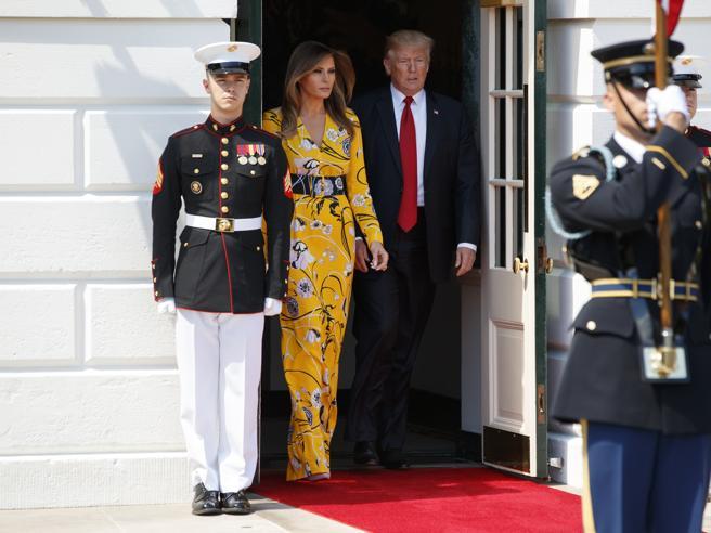 Melania Trump in giallo alla Casa Bianca per l'incontro con il primo ministro indiano