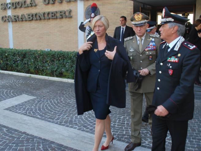 Pinotti: «Trump  ha  già cambiato i toniNon condivido lo choc dei tedeschi» Grillo: «È stato un 'vaffa' pazzesco»Video