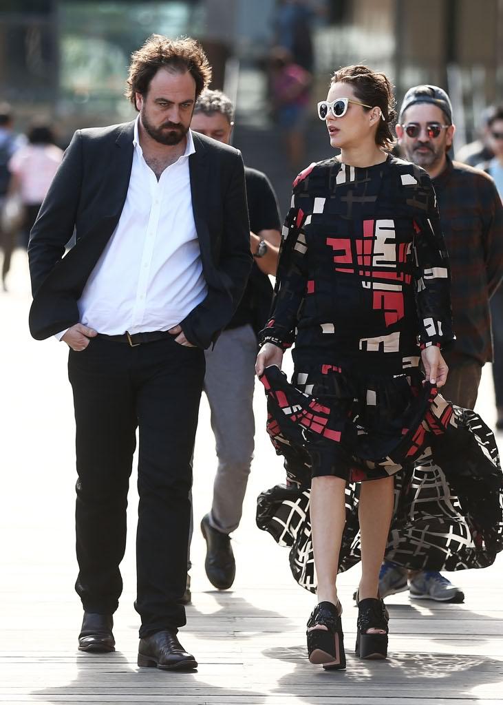 Marion cotillard occhialoni e zeppe a sydney la futura mamma in versione punk - Spettacoli diva futura ...