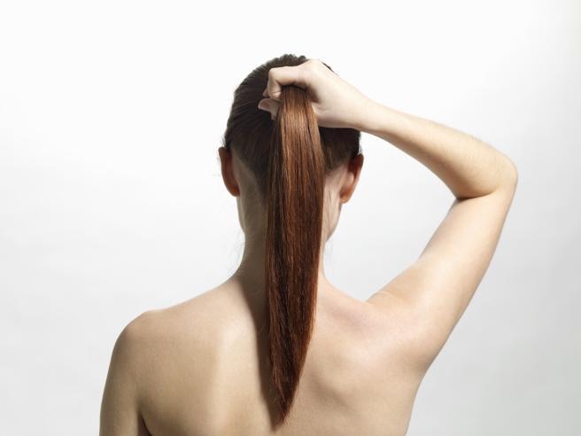 Cinque errori che rovinano i capelli mentre dormi