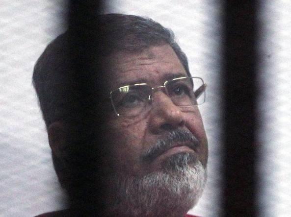 Egitto: annullata la condanna a morte di Mohamed Morsi