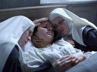 Ordinaria violenza in convento: silenzio sugli abusi dei comunisti