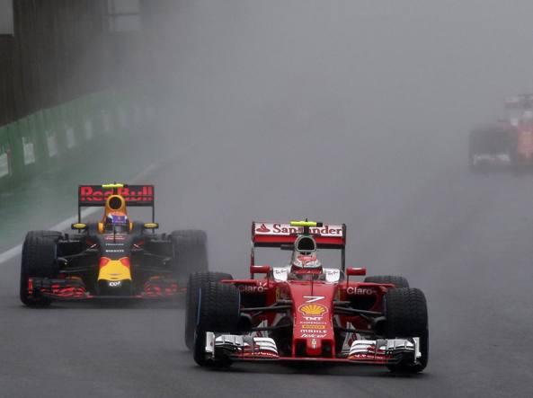 Bernie Ecclestone propone la doppia gara per la Formula 1