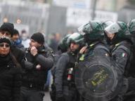 Scontri tra polizia e ultrà al termine di Atalanta-Roma, diverse cariche