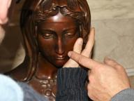 «Guardare» le sculture con le mani Una visita speciale ai Musei Vaticani