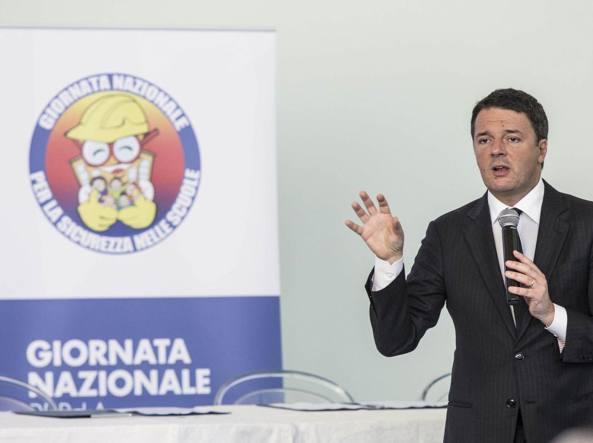 Renzi firma protoccolo per la scuola