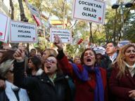 Turchia, il governo ritira la legge sulle spose bambine