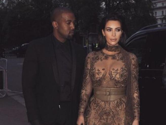 Media Usa: «Kim Kardashian ha chiesto il divorzio da Kanye West. Vuole anche la custodia dei figli». Dal colpo di fulmine alla  crisi