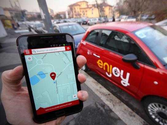 Nel car sharing Milano e Roma spingono sull'acceleratore