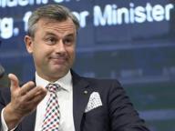 Elezioni in Austria, il candidato di estrema destra Hofer: «Possibile un referendum per uscire dall'Ue»