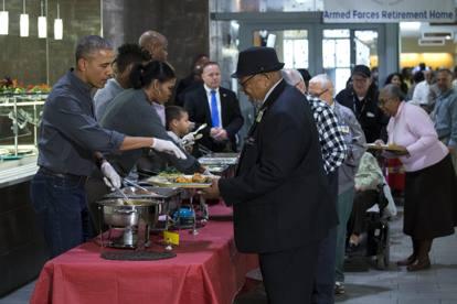 L appello all unit di obama nel giorno del ringraziamento - Papaveri e veterani giorno di papaveri e veterani ...