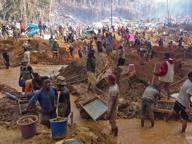 Madagascar: in migliaia alla ricerca della «grande pietra blu»