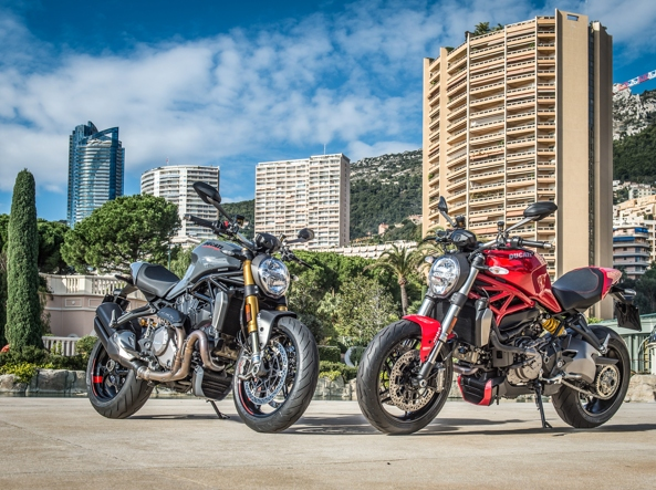 La Monster 1200S 2017 nei due colori disponibili