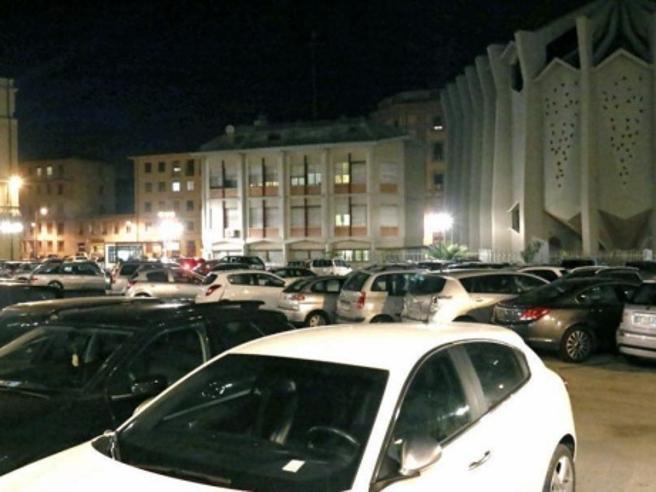 Livorno, sosta vietata in centro?Niente multe per le auto straniere