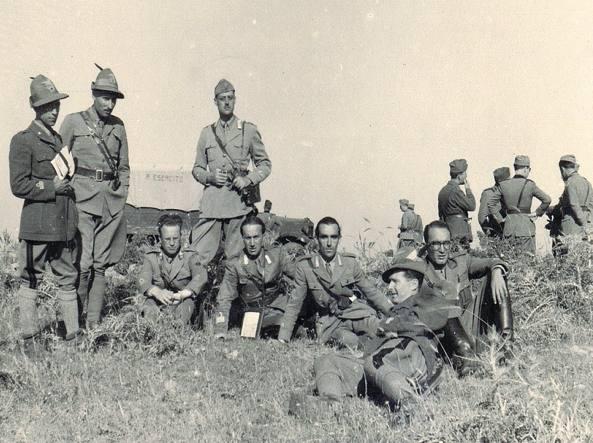 Alcuni ufficiali del battaglione degli alpini Vestone durante la campagna di Russia (foto archivio privato Cristoffanini)