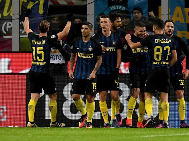 L'Inter batte la Fiorentina 4-2: partenza sprint poi faticaNapoli-Sassuolo finisce 1-1