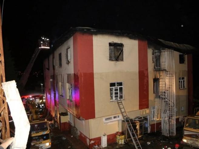 Turchia,  dormitorio per studentesse in fiamme: morte 11 allieve