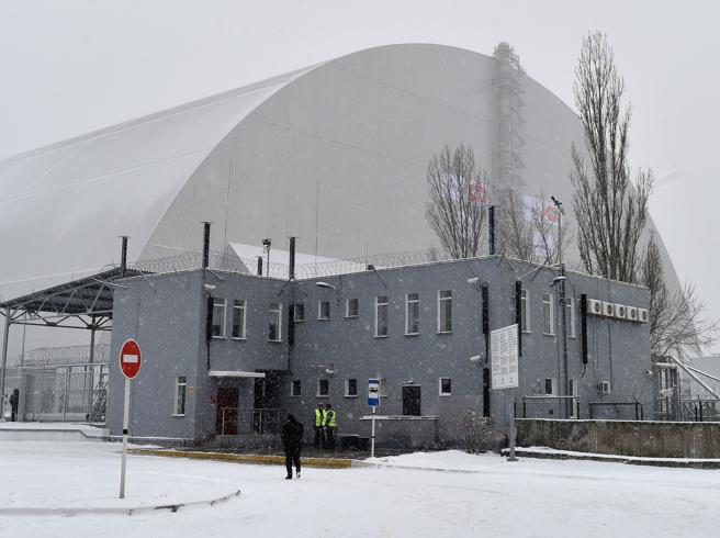 Chernobyl, ecco  l'arco-sarcofagoReattore al sicuro per 100 anni