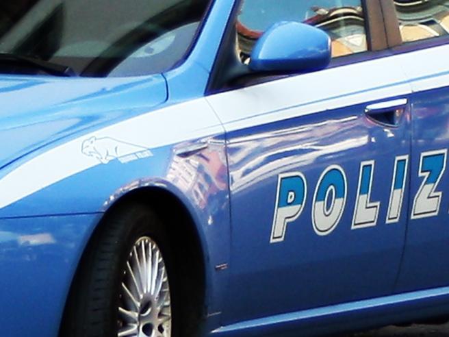 Torino, blitz nelle case occupateIn carcere quattro anarchici