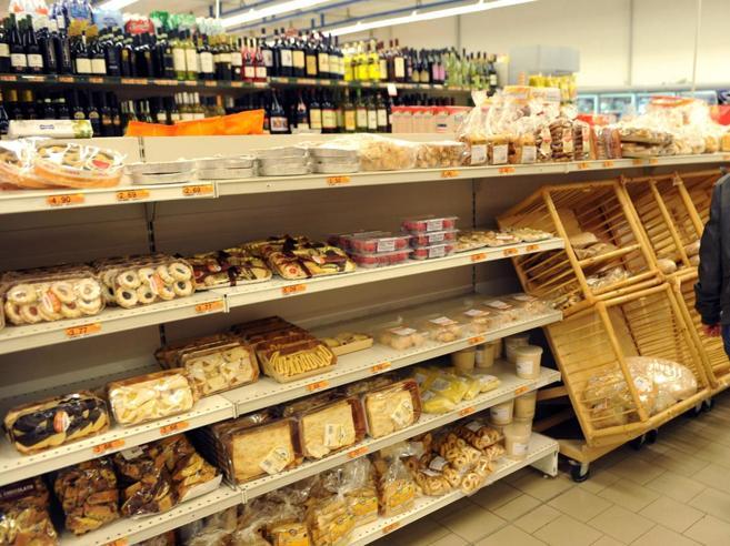 Istat, a novembre torna l'inflazione: +0,1%Rincari per frutta e verdura