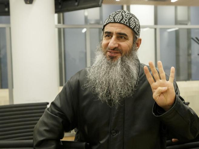Il Mullah Krekar torna libero, l'Italia rinuncia a estradizione dalla Norvegia|Immagini
