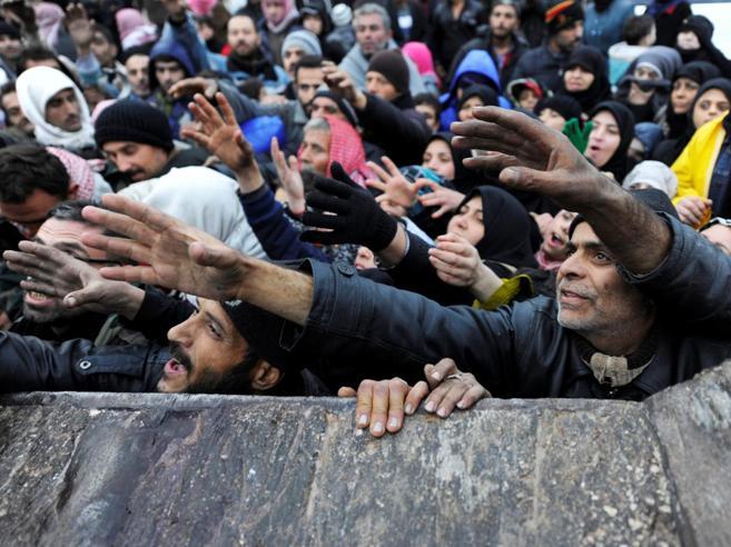 «Aleppo, un enorme cimitero»Colpita la popolazione in fuga