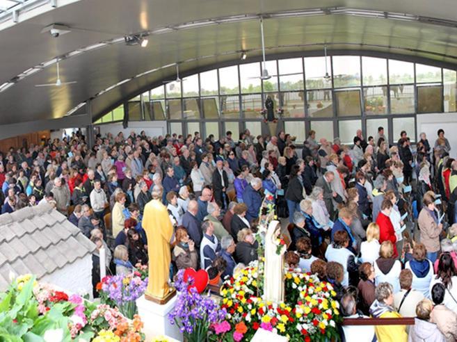Tra i pellegrini di Fontanelle e il sogno della Lourdes italiana