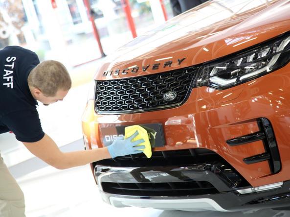 La nuova Range Rover Discovery al Motor Show di Bologna