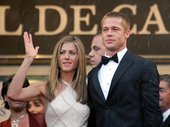 Jennifer Aniston, due di picche a Brad Pitt: l'attrice strappa applausi