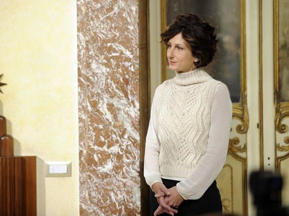Il maglione bianco di Agnese Renzi scatena le polemiche: ecco perché