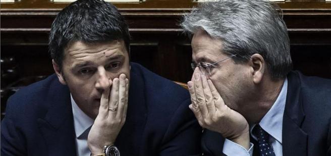 Paolo Gentiloni   e Matteo Renzi (Ansa)