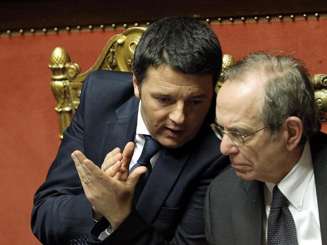 Crisi di governo, Padoan, Boschi e Franceschini a palazzo Chigi Al Quirinale le consultazioni
