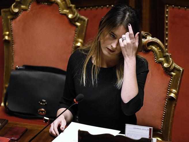 Boschi si ritrova isolata: «Io, il bersaglio più facile»L'ultimo giorno al Senato: foto