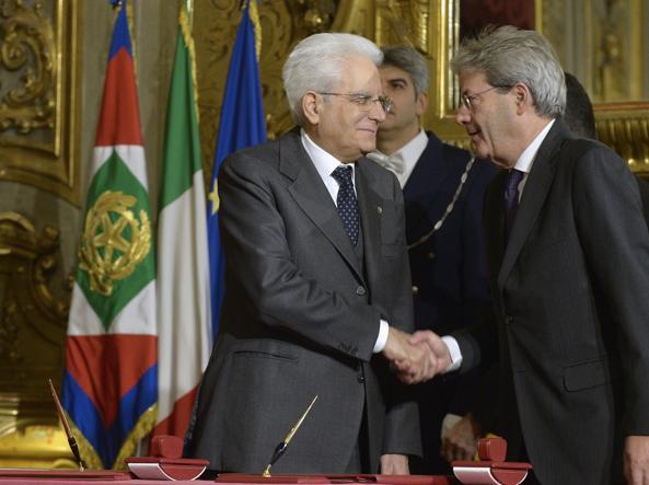 Il premier  Paolo Gentiloni e il presidente Mattarella  (Imagoeconomica)