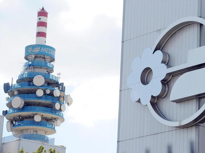 Mediaset, Vivendi al 12% E Fininvest denuncia i francesi|Chi è Bolloré, re di scalate e azzardi
