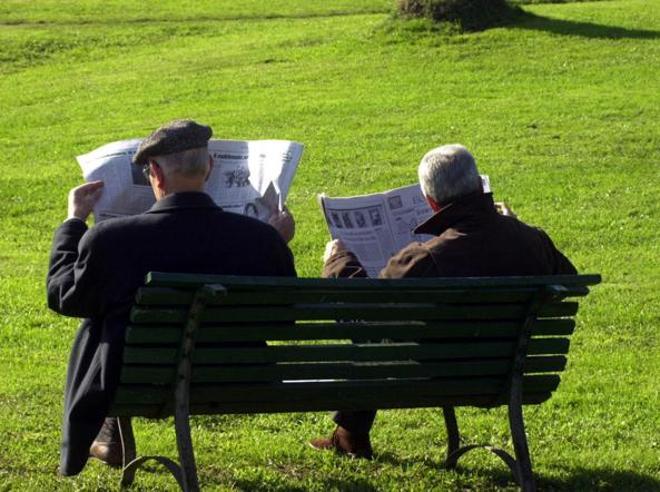 Pensioni, chi ha l'assegno più alto vive più a lungo: in vetta medici e avvocati