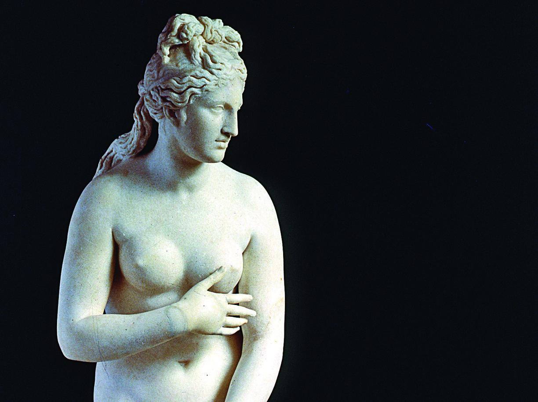 Un dettaglio della Venere Capitolina, tra le opere in mostra