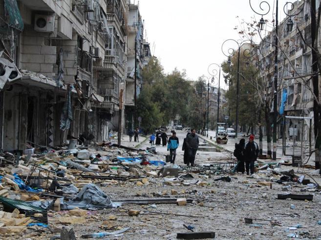 Siria, inizia sotto gli spari  l'evacuazione dei feriti ad Aleppo est