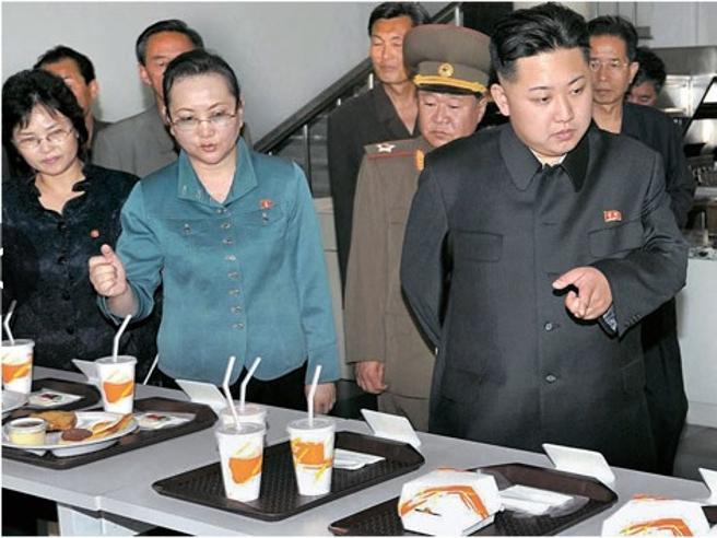 «Gli hamburger? Inventati da Kim». Certezze (e  convinzioni) in Nordcorea|Foto dal regime