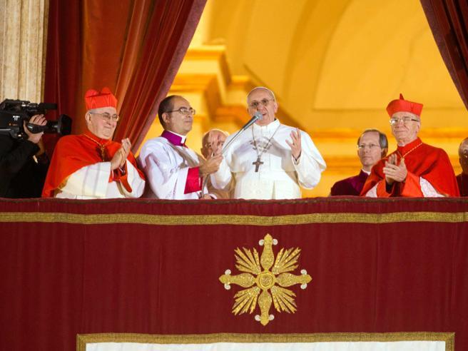 Francesco, il Papa prete compie 80 anni