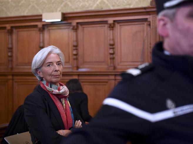Fmi, Lagarde colpevole: «Negligente nell'arbitrato traBernard Tapie  e l'Adidas» Foto