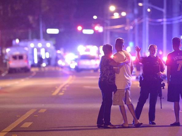 I familiari delle vittime di Orlando denunciano Twitter, Fb e YouTube