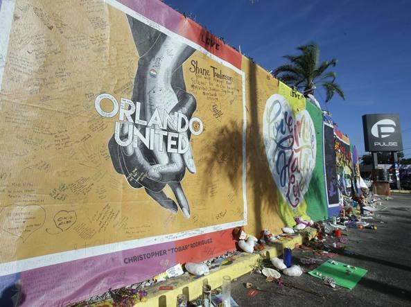 Le famiglie dei ragazzi uccisi a Orlando denunciano Facebook, Twitter e Youtube