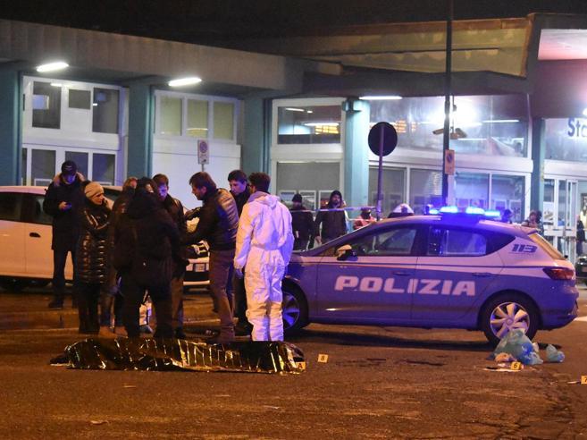 Il controllo, le urla, gli spariCosì è morto il jihadista Anis
