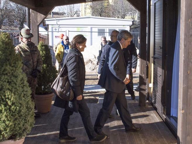 Dopo Agnese, Emanuela: prima uscita  della nuova first lady foto