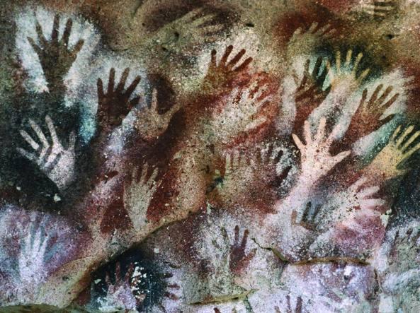 La famosa «Cueva de las Manos» (caverna delle mani) con impronte preistoriche dipinte sulla parete di una grotta della Patagonia in un periodo collocabile tra 13 mila e 9 mila anni fa
