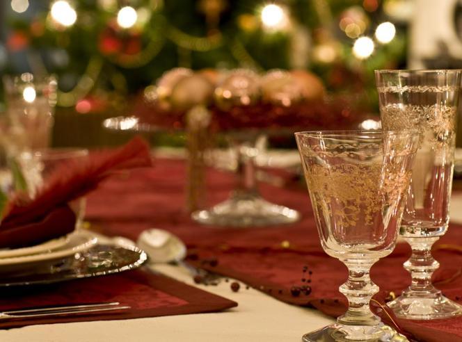 Natale, gli italiani scelgono il «made in Italy»: spesi 2,3 milioni  in cibo e bevande