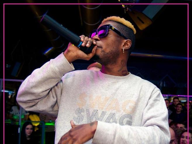 Minacce di morte al rapper Bello Figo, annullato il concerto di Capodanno